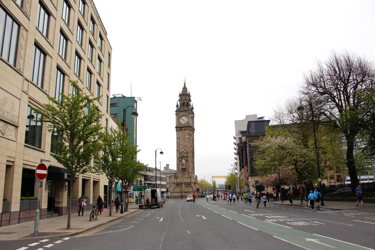 belfast-sehenswuerdigkeiten-Albert-Memorial-Clock-Tower