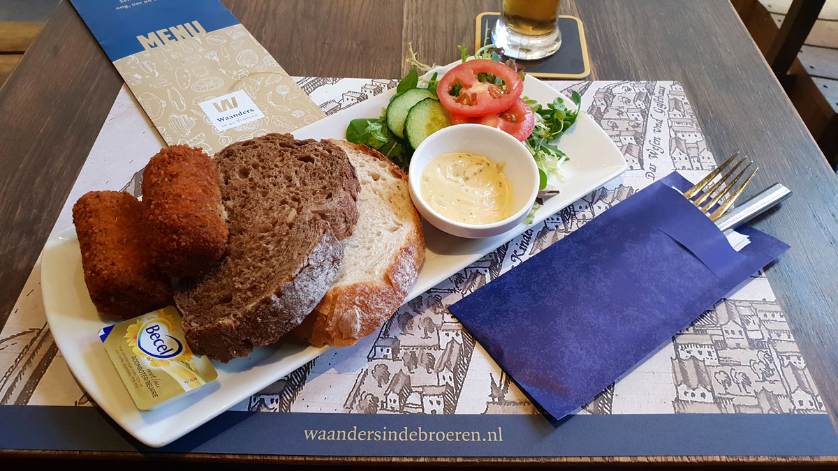 Holland-rundreise-hansestaedte-zwolle-waanders-in-de-broeren-cafe-lunch