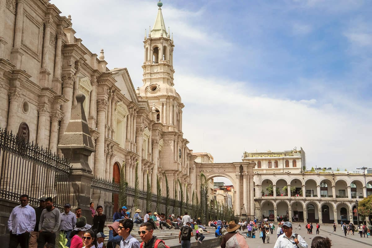 Ein_Tag_in_Arequipa_kathedrale_arequipa